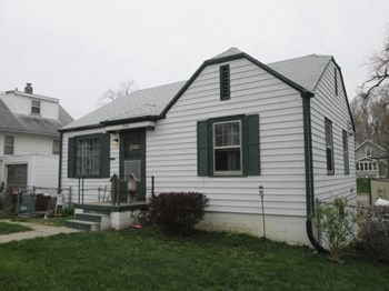 2944 North 56th Street 2 Beds House for Rent Photo Gallery 1