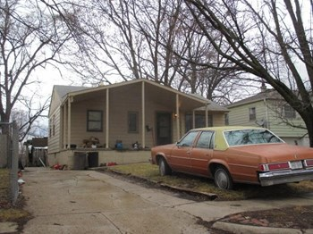 3814 North 65th Street 3 Beds House for Rent Photo Gallery 1
