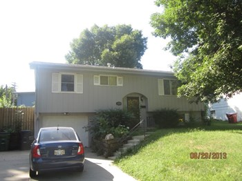9005 Park View Boulevard 3 Beds House for Rent Photo Gallery 1