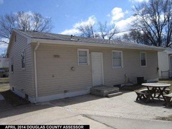 3208 South 121st Street 3 Beds House for Rent Photo Gallery 1