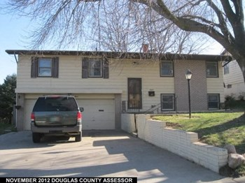 4967 South 87th Street 3 Beds House for Rent Photo Gallery 1
