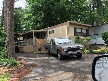 6545 Georgia 42 3 Beds House for Rent Photo Gallery 1