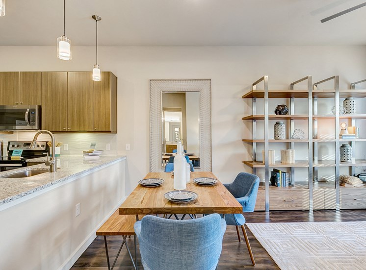 dining uptown dallas apartments