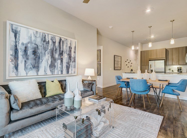 living uptown dallas apartments