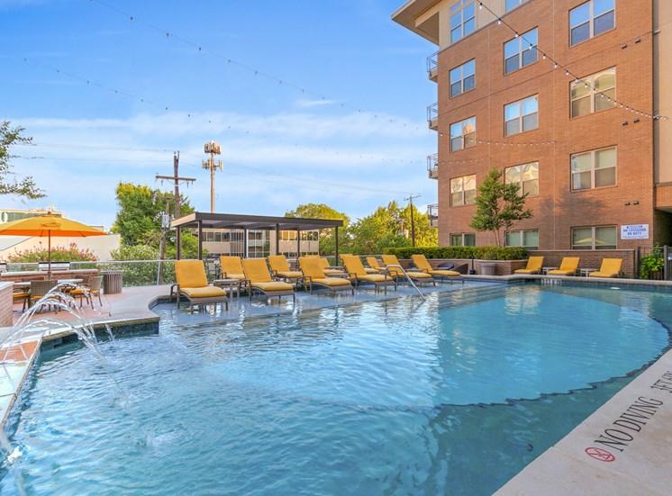 pool uptown dallas apartments