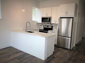 529 Brookhurst Avenue Studio-2 Beds Apartment for Rent Photo Gallery 1