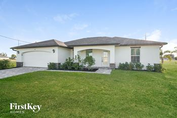1121 NW Juanita Pl 4 Beds House for Rent Photo Gallery 1