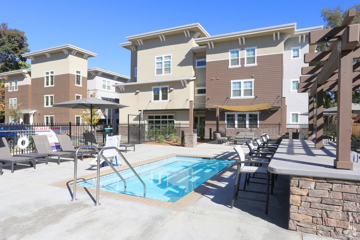 Pleasing Photos Of Our Student Apartments In Chico Ca Gallery Download Free Architecture Designs Grimeyleaguecom