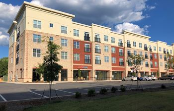 2800 Lawndale Dr 1-2 Beds Apartment for Rent Photo Gallery 1
