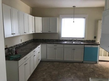 1217 W Shannon Ave 3 Beds House for Rent Photo Gallery 1