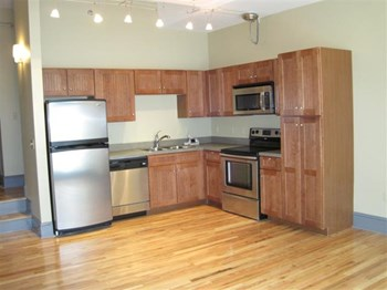 2015 East 4th Street 1-2 Beds Apartment for Rent Photo Gallery 1