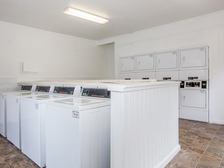 Community laundry Room at The Quinn at Westchase, Texas