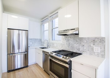 1571 Sacramento Street 2 Beds Apartment for Rent Photo Gallery 1
