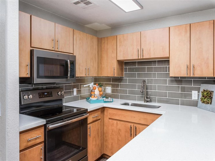 Avondale Arizona Apartments for Rent - Oceana Apartments Kitchen
