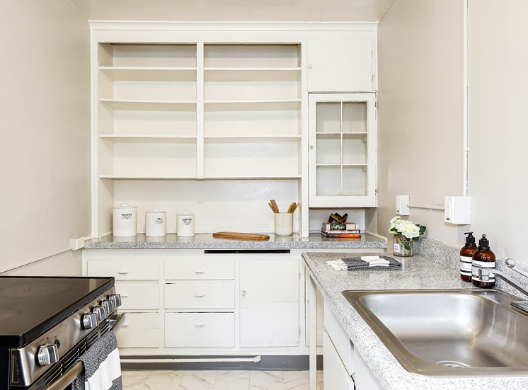John Winthrop - Kitchen Shelving