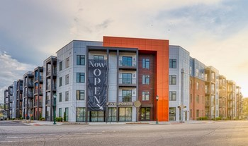328 Cherokee Blvd 1-2 Beds Apartment for Rent Photo Gallery 1