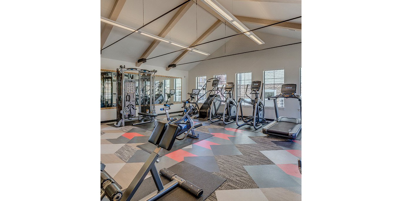 Tigard Apartments-Sygnii Spacious Fitness Center with Weight Machines and Cardio Equipment