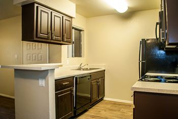 950 North Gilbert Road 1-2 Beds Apartment for Rent Photo Gallery 1
