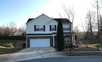 3902 Pepperbush Drive 3 Beds House for Rent Photo Gallery 1