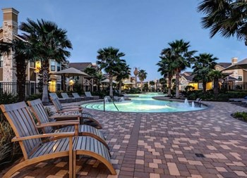 1805 S. Egret Bay Blvd. 1-3 Beds Apartment for Rent Photo Gallery 1