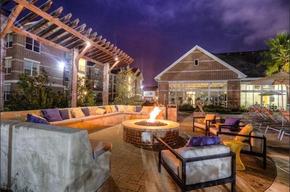 Virtual Living At Kingwood Apartments 25710 Loop 494 Kingwood Tx Rentcafe