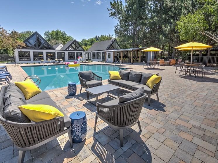 Reedhouse|Pool