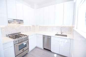 1330 Union Street 1 Bed Apartment for Rent Photo Gallery 1