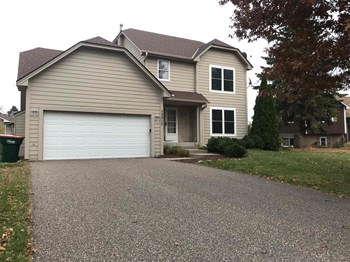 13217 Mankato Street NE 4 Beds House for Rent Photo Gallery 1