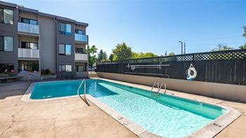 1335 NW Kings Blvd 1-3 Beds Apartment for Rent Photo Gallery 1