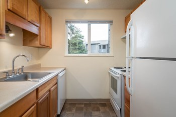 14245 SW Walker Rd. Studio Apartment for Rent Photo Gallery 1