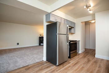 9900 SE Lawnfield Rd 1-3 Beds Apartment for Rent Photo Gallery 1