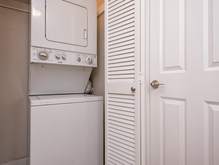Chinook Way Apartments | Two Bedroom Aspen | Washer and Dryer