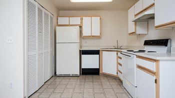 8465 SW Hemlock St. 2 Beds Apartment for Rent Photo Gallery 1
