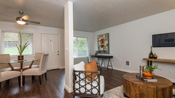 6810 SW 26th Ave 1 Bed Apartment for Rent Photo Gallery 1