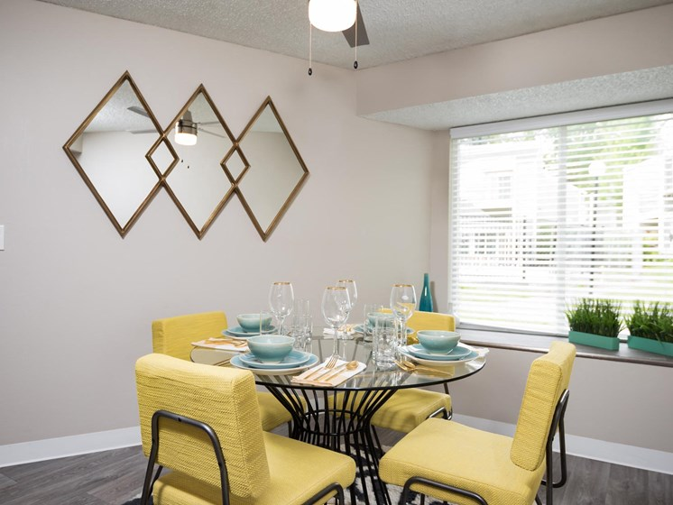 Hidden Oaks | Dining Room