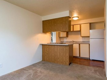 24050 SE Stark Street 1 Bed Apartment for Rent Photo Gallery 1