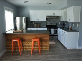 13555 SW Jenkins Rd 1 Bed Apartment for Rent Photo Gallery 1