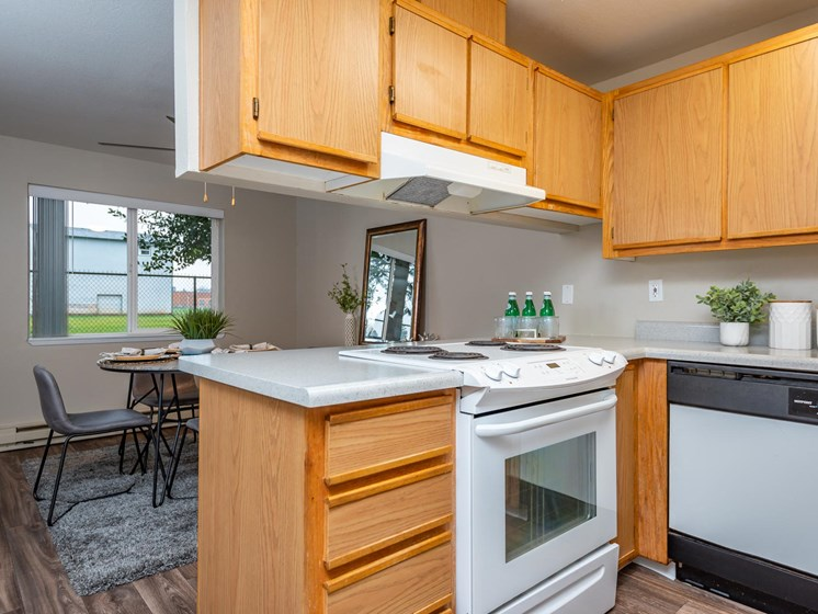 Kings Meadow Apartments | Troutdale, OR | Kitchen