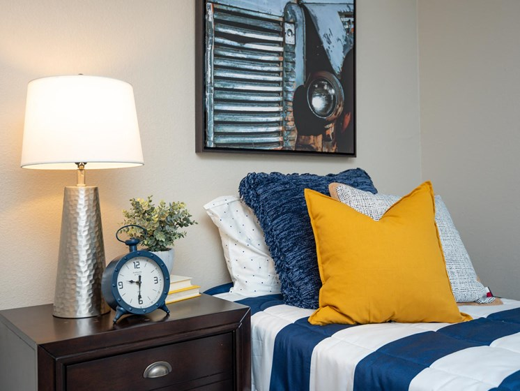 Kings Meadow Apartments | Troutdale, OR | Second Bedroom