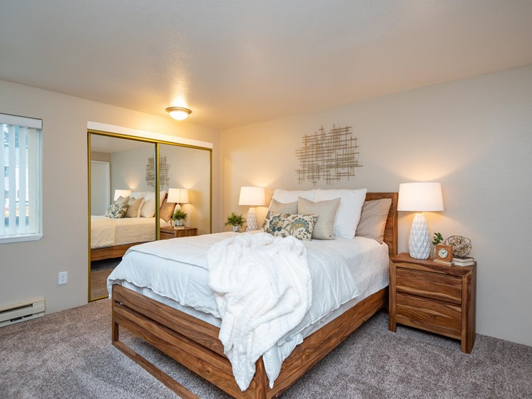 Kings Meadow Apartments | Troutdale, OR | Master Bedroom