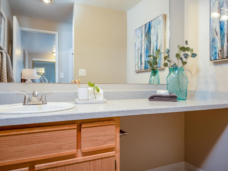 Kings Meadow Apartments | Troutdale, OR | Master Bathroom