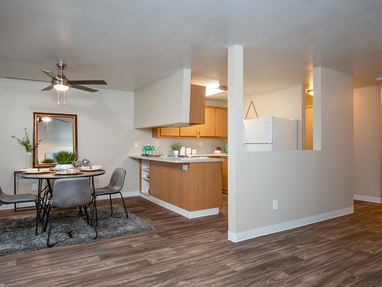 Kings Meadow Apartments | Troutdale, OR | Dining Room