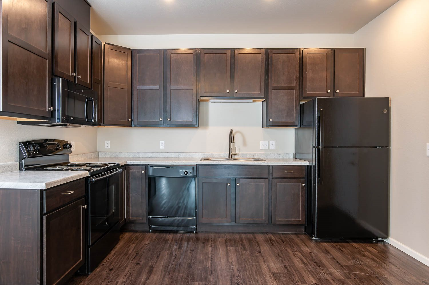 Port View Apartments | Modern Kitchen