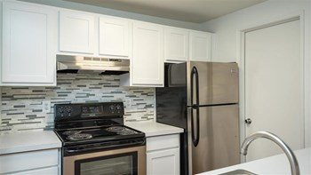 12070 SW Fischer Road 1-3 Beds Apartment for Rent Photo Gallery 1