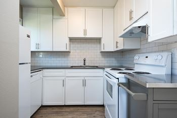 9685 SW Johnson St 1 Bed Apartment for Rent Photo Gallery 1