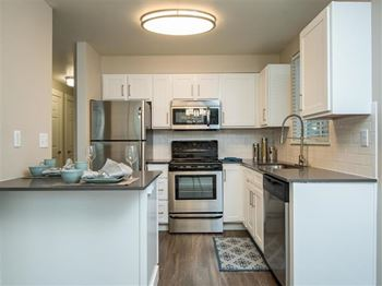 11480 SE Sunnyside Road 1-3 Beds Apartment for Rent Photo Gallery 1