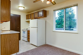 14095 SW Walker Rd 1-3 Beds Apartment for Rent Photo Gallery 1