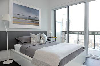 15 Roehampton Avenue Studio-2 Beds Apartment for Rent Photo Gallery 1