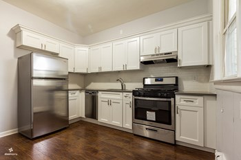 23 West 15th Street 3 Beds House for Rent Photo Gallery 1