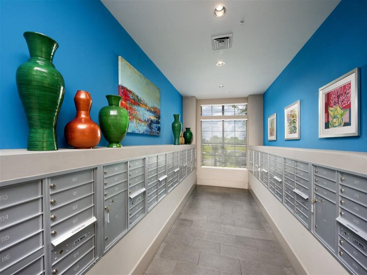 24 Hour Package Lockers at Azul Baldwin Park, Orlando